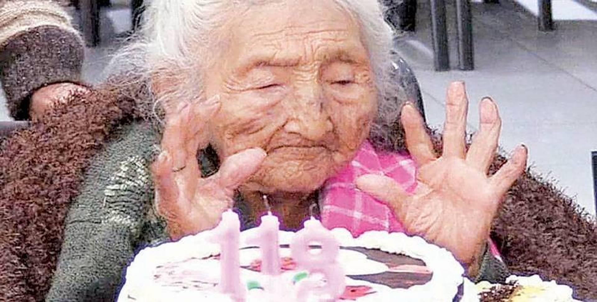 مازالت جوليا تحتفظ بقواها الذهنية في عمر 118