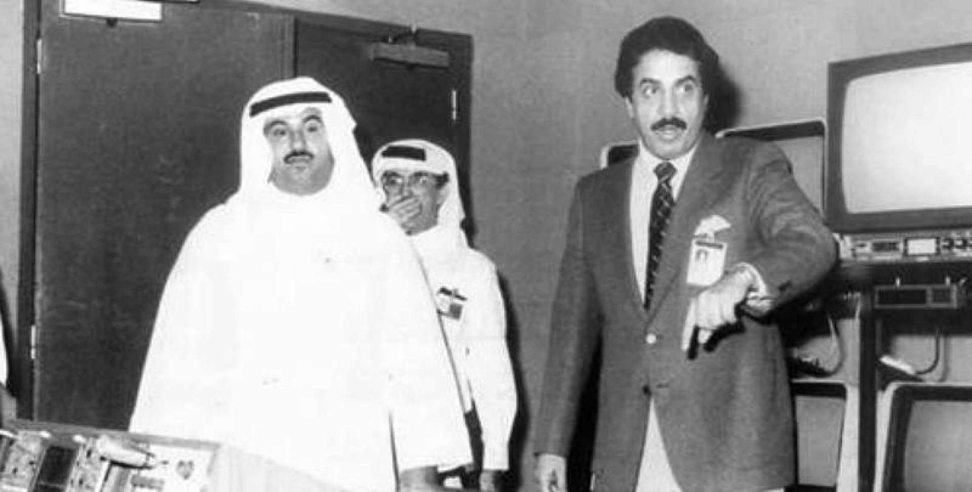 محمد السعنوسي في جولة داخل مبنى التلفزيون الكويتي.. صورة أرشيفية