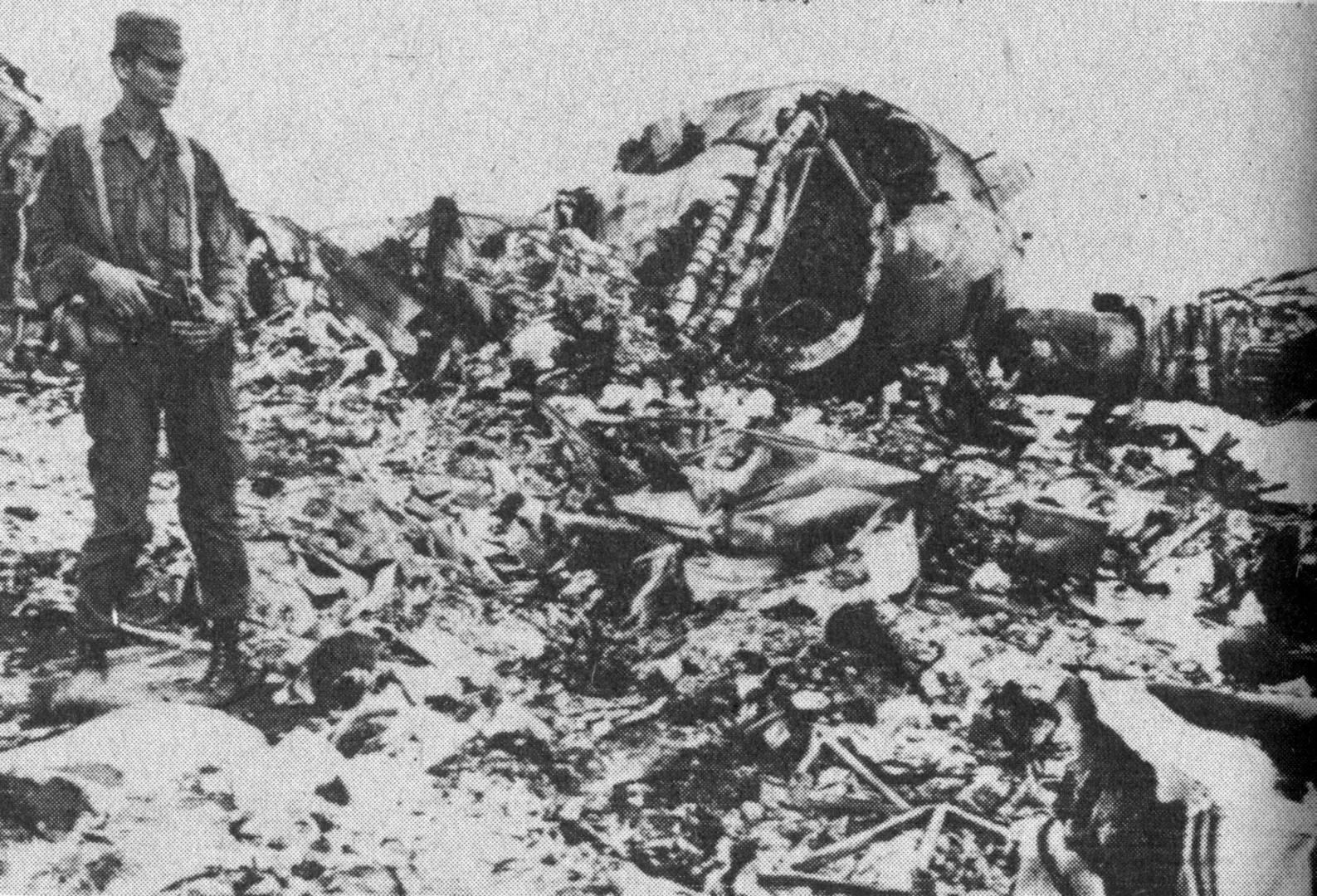 حطام الطائرة الليبية.. أرشيفية