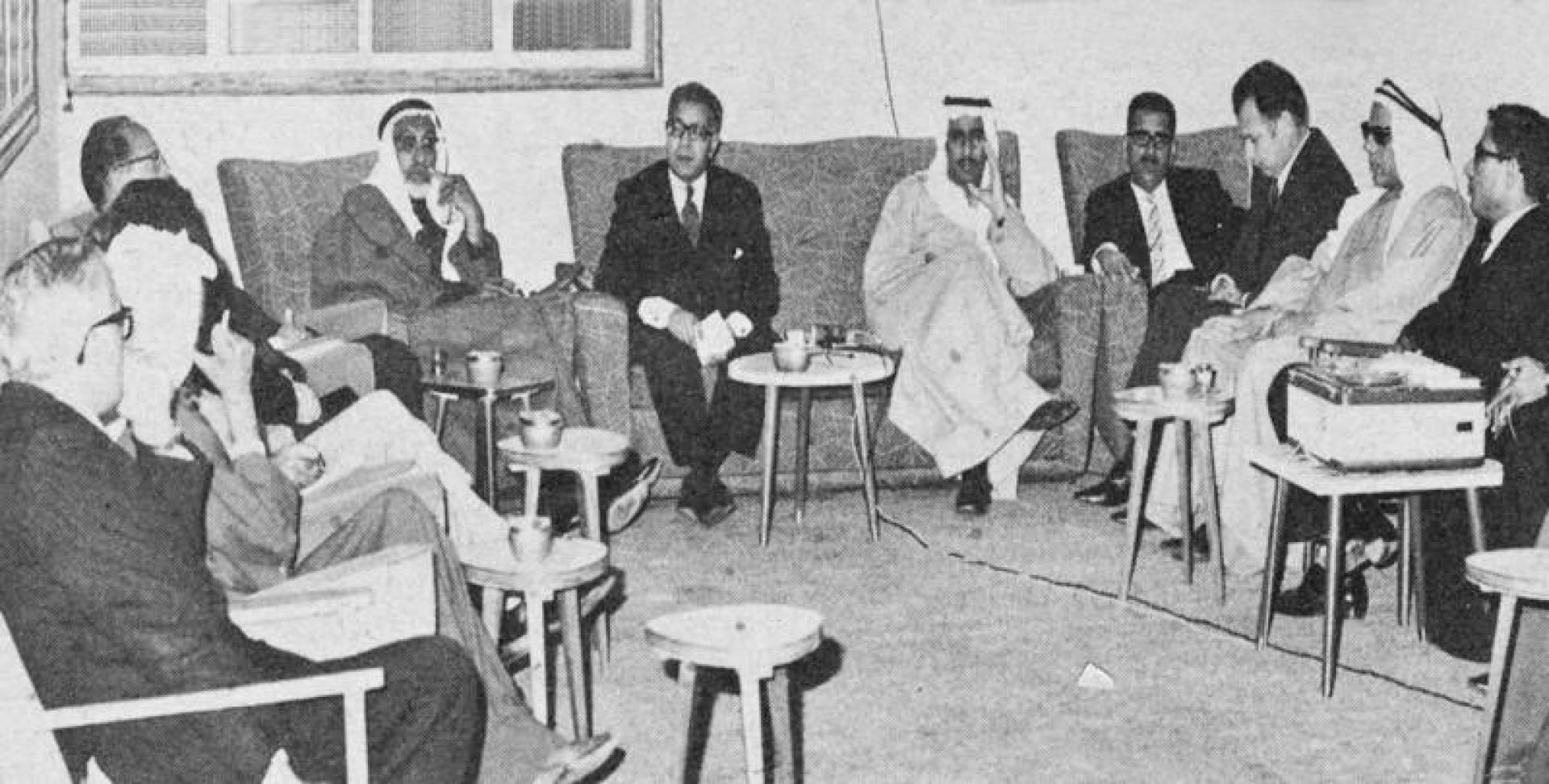 الدكتور محمود مكي في ندوة رابطة الأدباء.. صورة أرشيفية