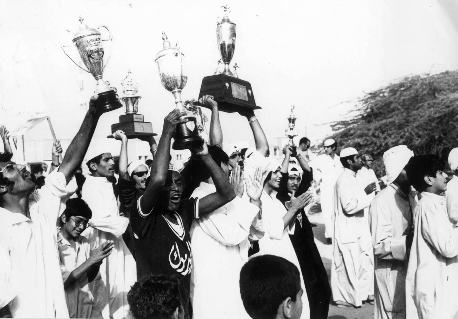أهالي جزيرة فيلكا تخرج لاستقبال كأس الأمير.. صورة أرشيفية