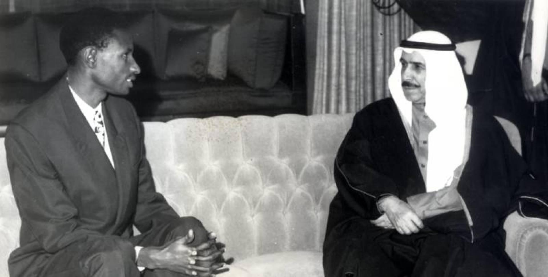 الشيخ صباح السالم الصباح مستقبلا رئيس وزراء السنغال عبده ضيوف.. صورة أرشيفية