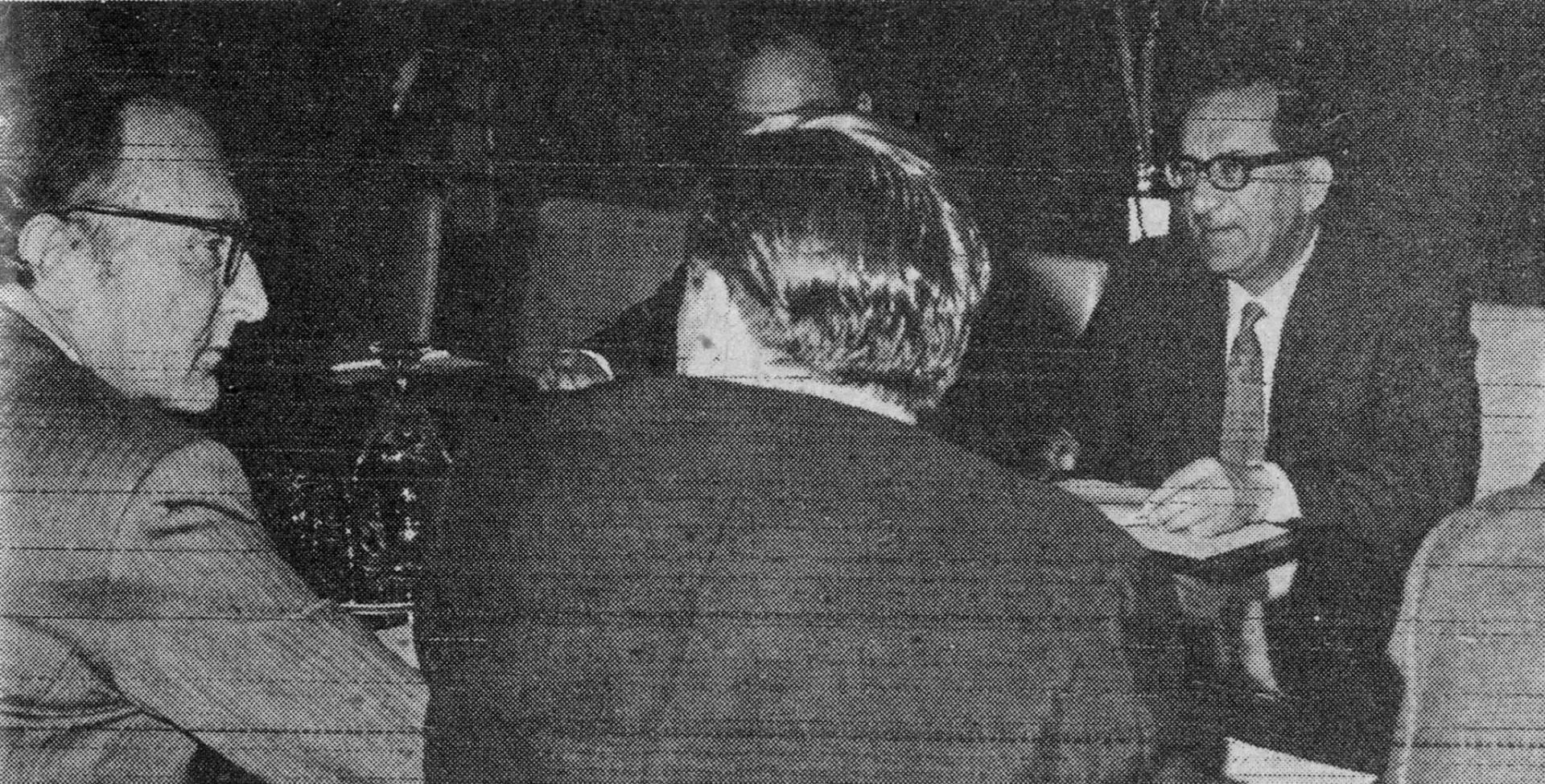 وزير الدفاع البريطاني اللورد كارنغتون ودوم منتوف رئيس وزراء مالطا.. صورة أرشيفية