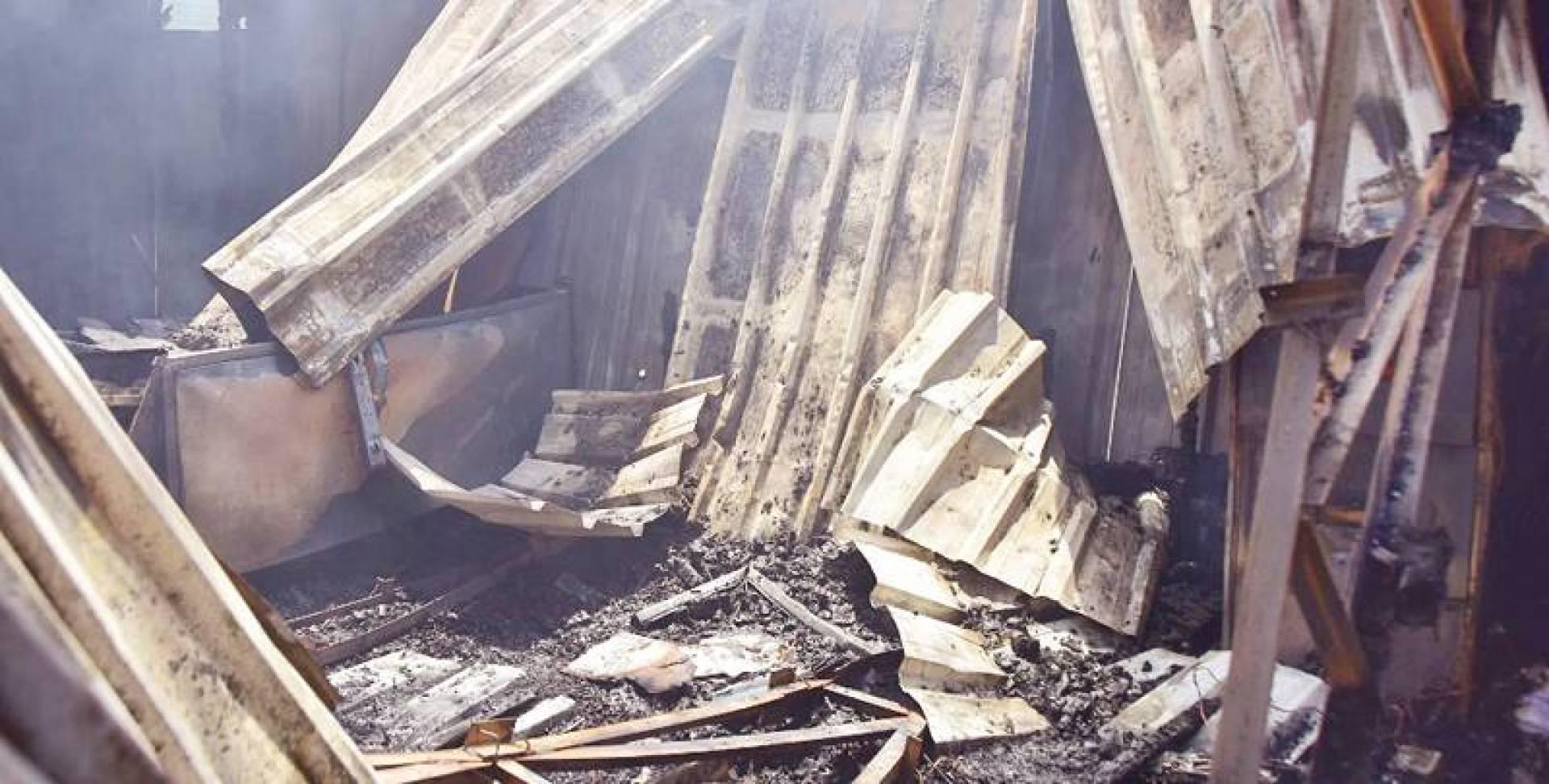 آثار الحريق بعد إخماده