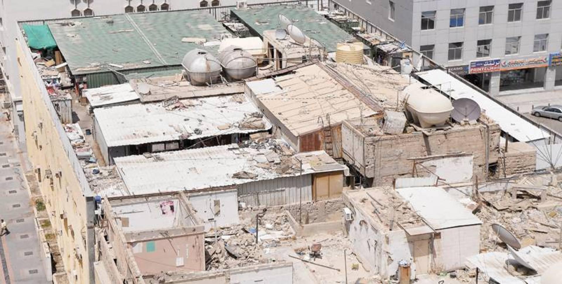 غرف كيربي منتشرة على مبني تجاري | تصوير مصطفى نجم