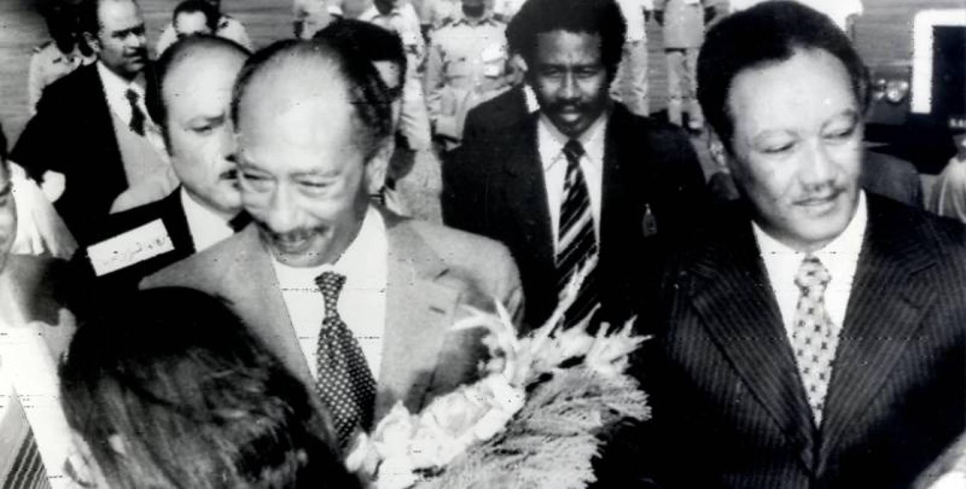 الرئيس المصري محمد أنور السادات والرئيس السوداني جعفر النميري.. صورة أرشيفية