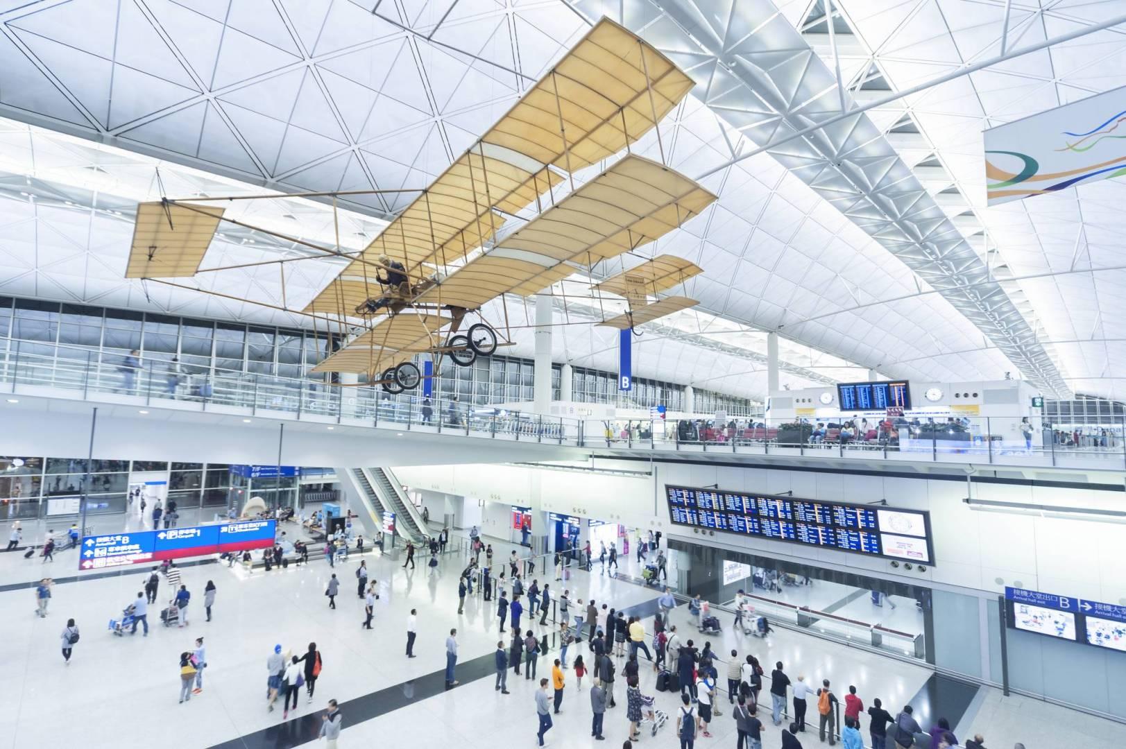 مطار هونغ كونغ يلغي جميع الرحلات الجوية المغادرة