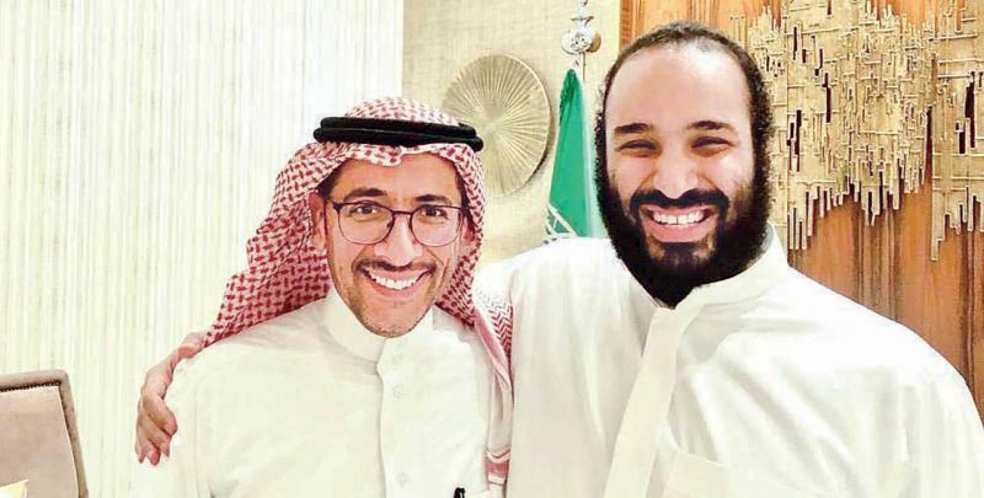 ابن سلمان مع بندر الخريف وزير «الصناعة والثروة المعدنية» | عكاظ