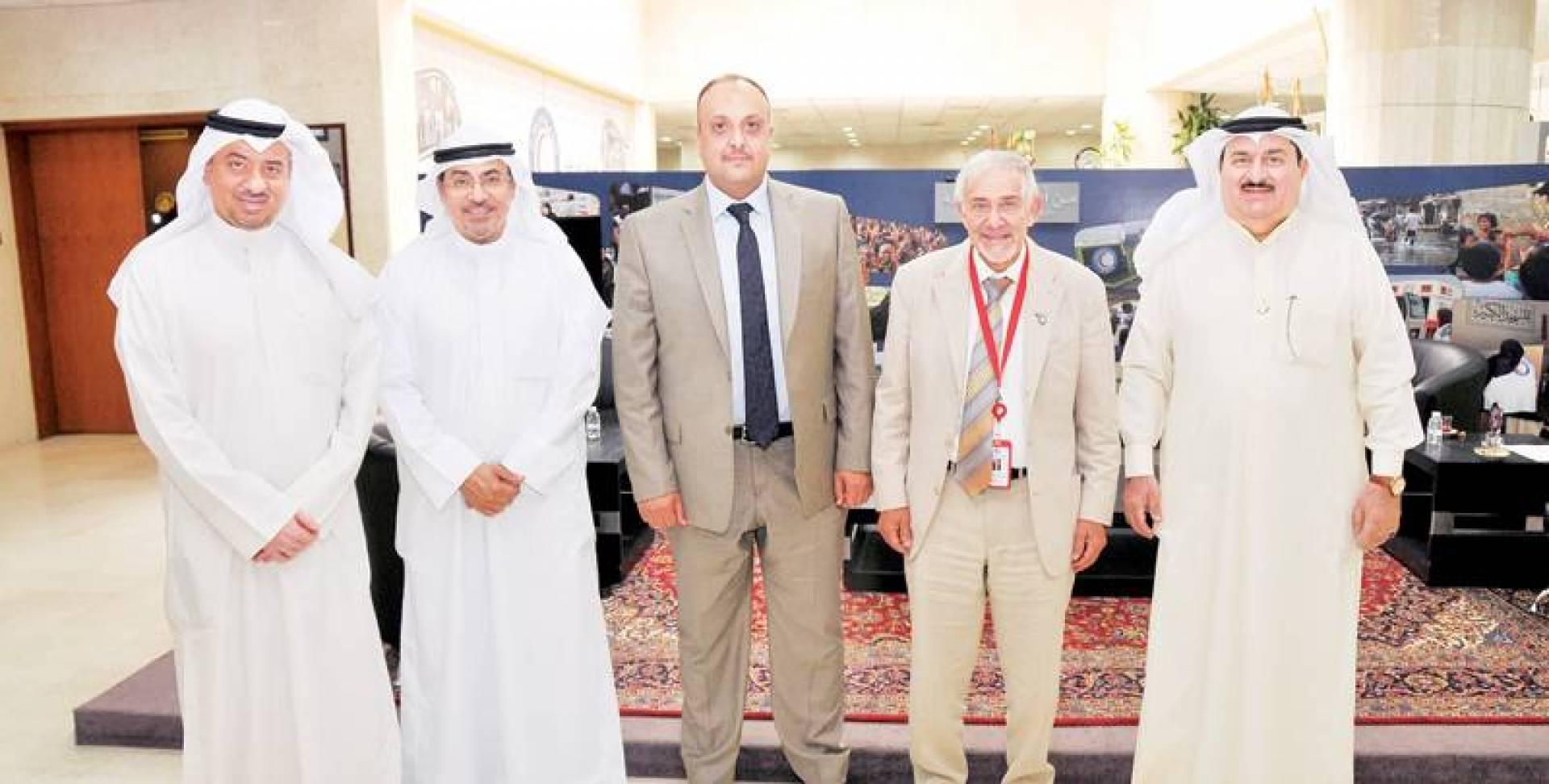 الساير ومسؤولو الجمعية الطبية العراقية | كونا
