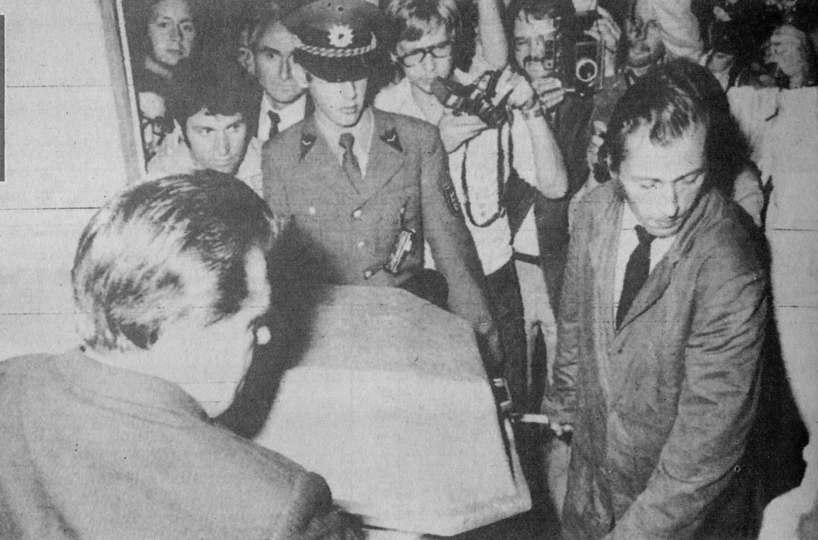 1972/9/7| القناصة الألمان بدأوا إطلاق النار.. ورد الفدائيون: «علينا وعلى أعدائنا»