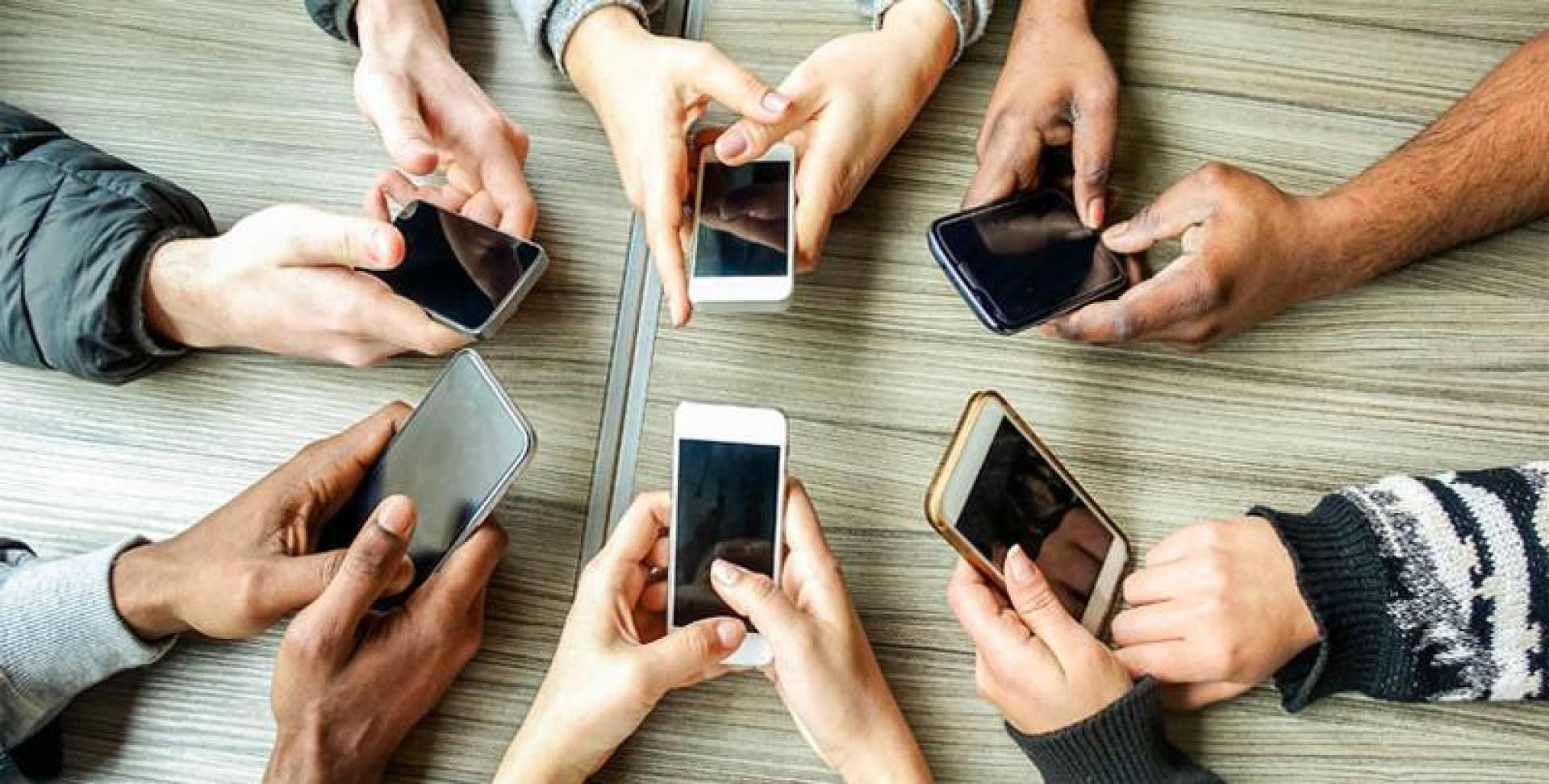 كيف تطيل عمر هاتفك؟