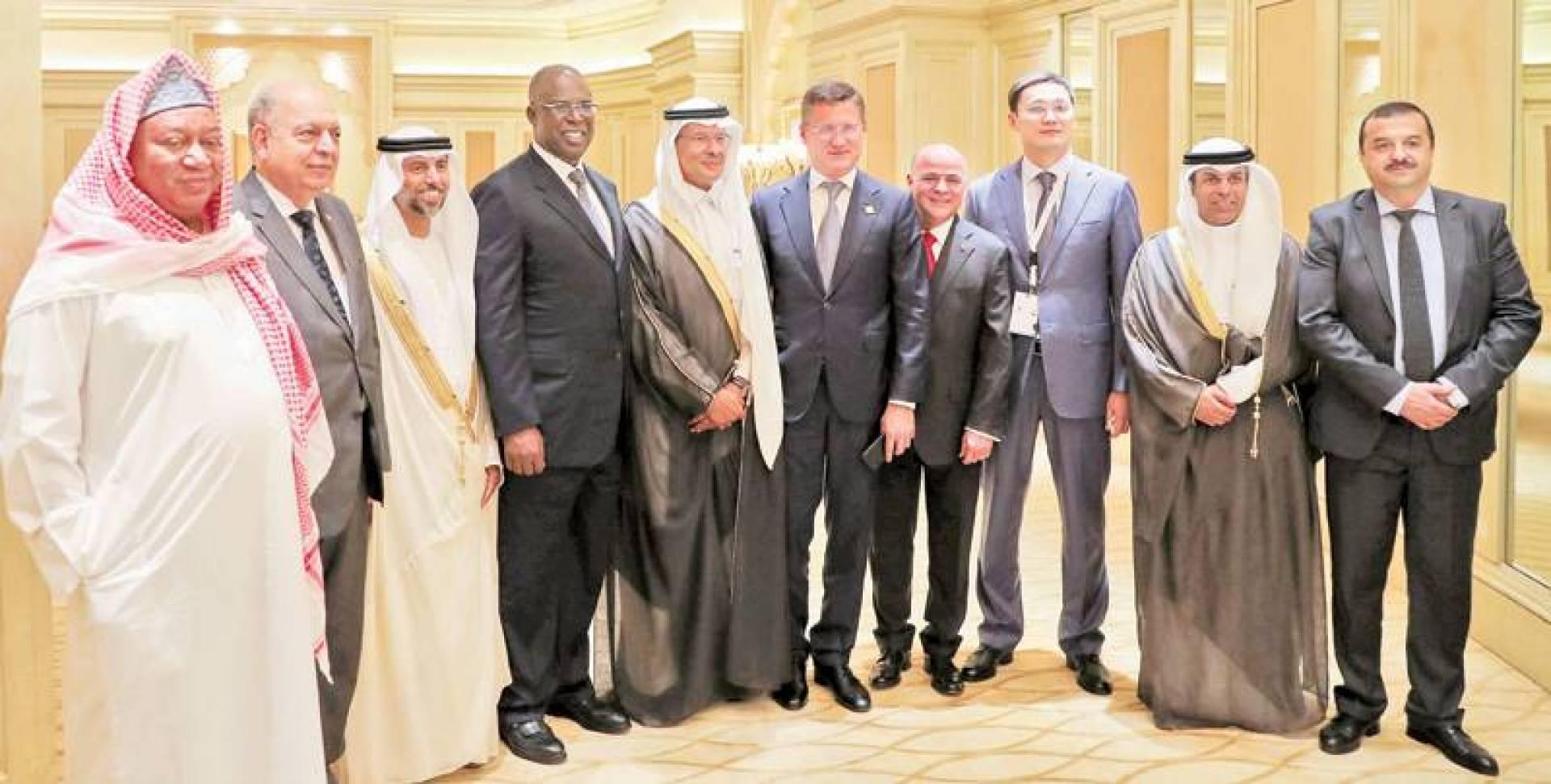 خالد الفاضل وعبدالعزيز بن سلمان وسهيل المزروعي ومحمد باركيندو وبقية وزراء نفط «أوبك+» | رويترز
