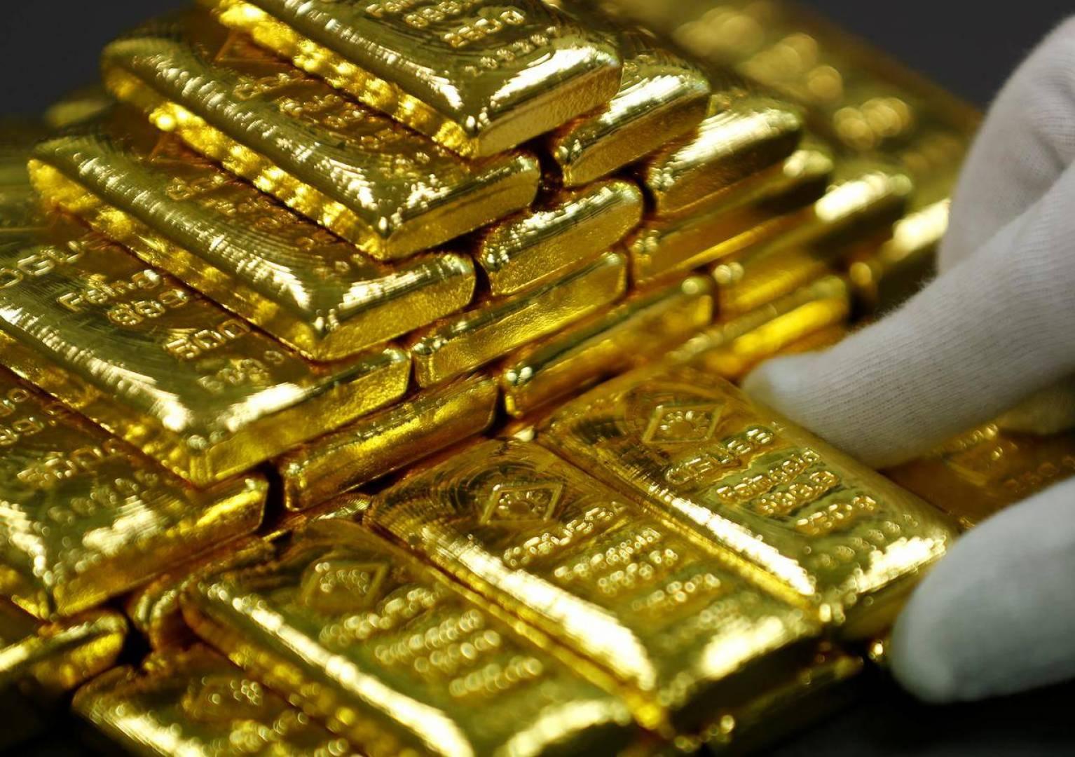 الذهب يتراجع مع تعزيز آمال التجارة لشهية المخاطرة