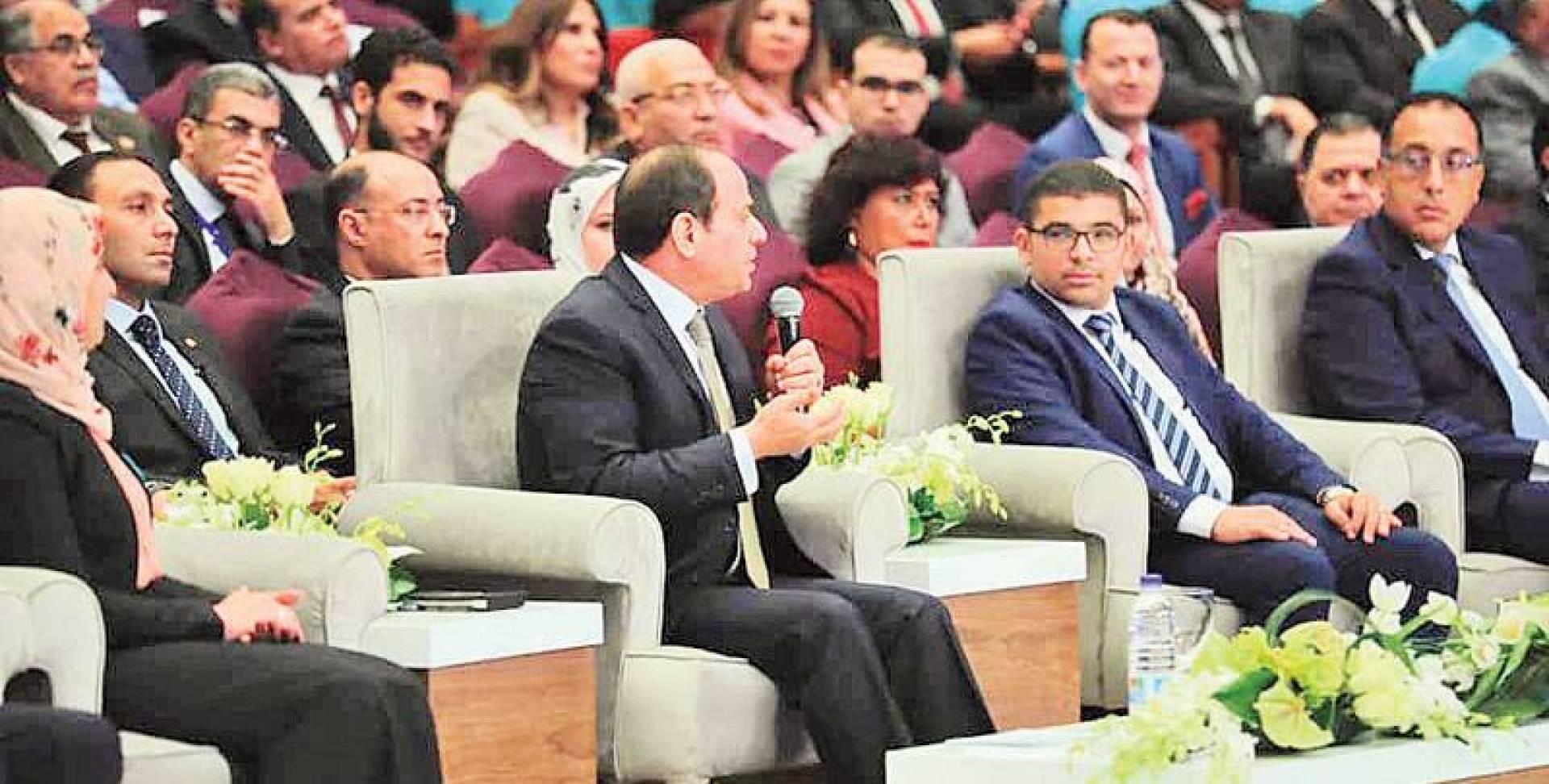 مصر: تعديل وزاري وشيك وتغييرات في الأجهزة