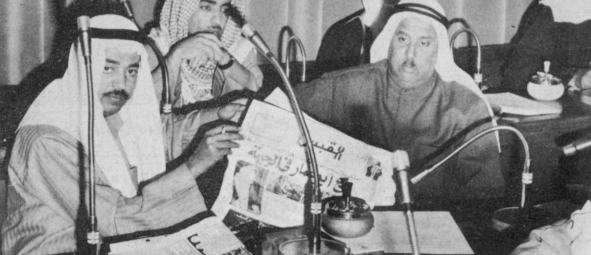 النائبان المنيس ويوسف المخلد وبينهما علي محمد ثنيان الغانم.. صورة أرشيفية