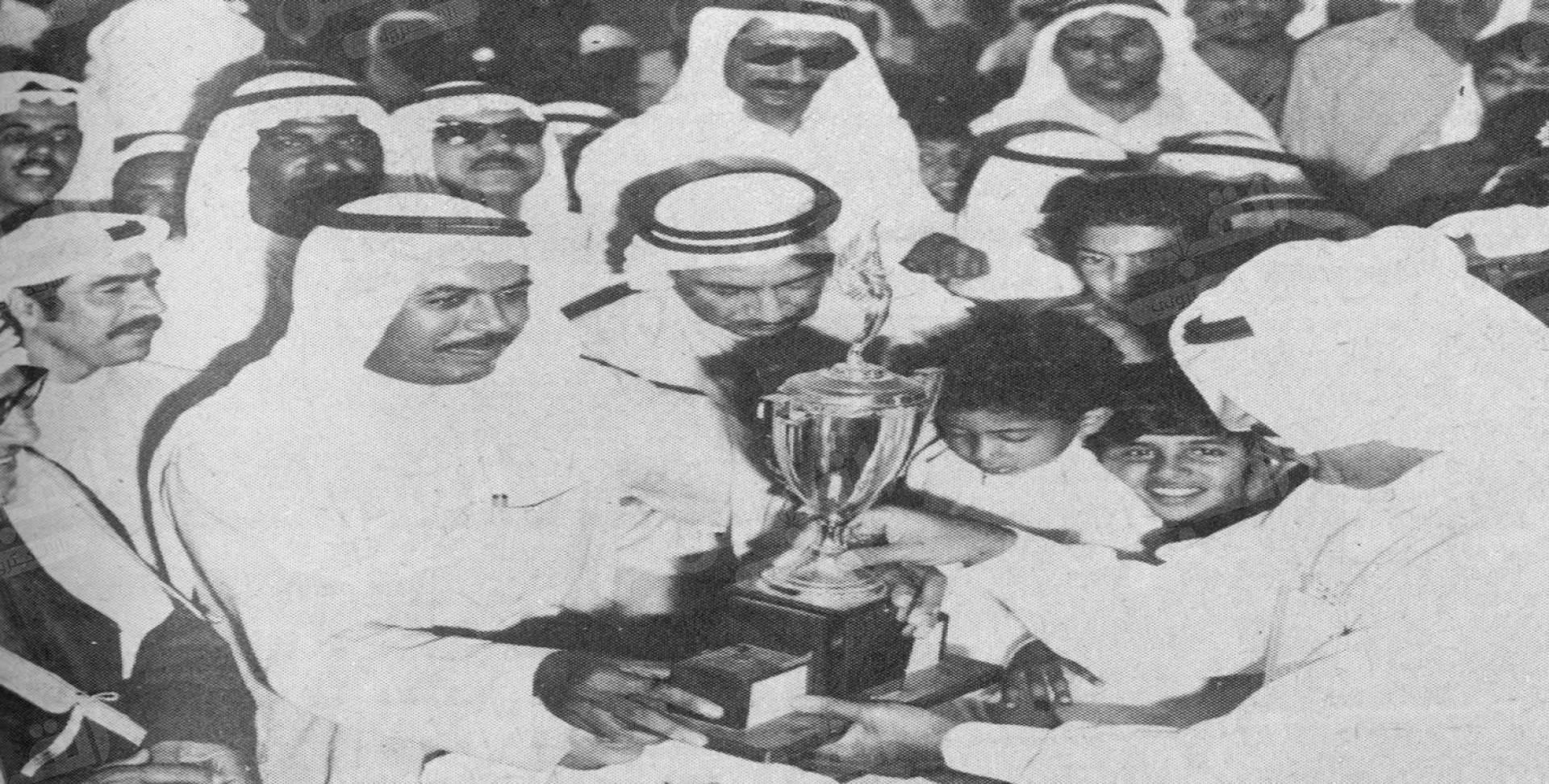 الشيخ فهد الأحمد يتسلم كأس سمو الأمير للفروسية