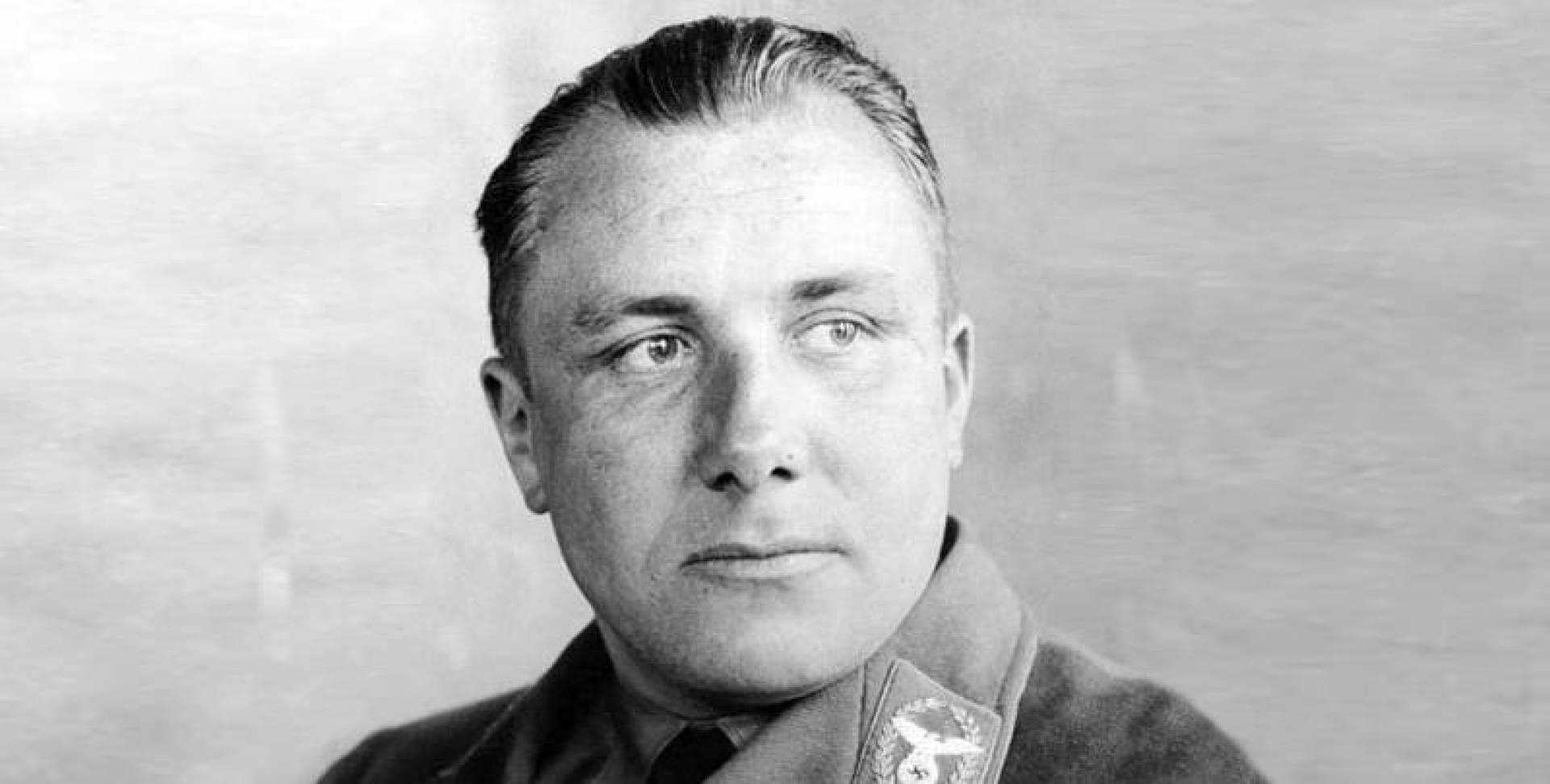 مارتن بورمان نائب هتلر الرجل الثاني في الرايخ الثالث.. صورة أرشيفية
