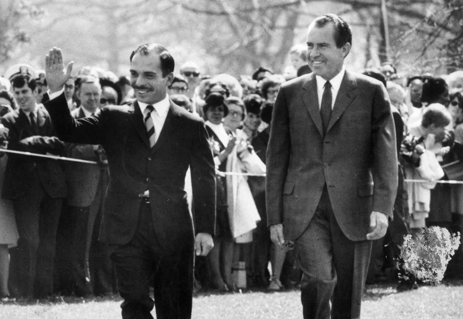 الرئيس الأميركي ريتشارد نيكسون وملك الأردن حسين بن طلال