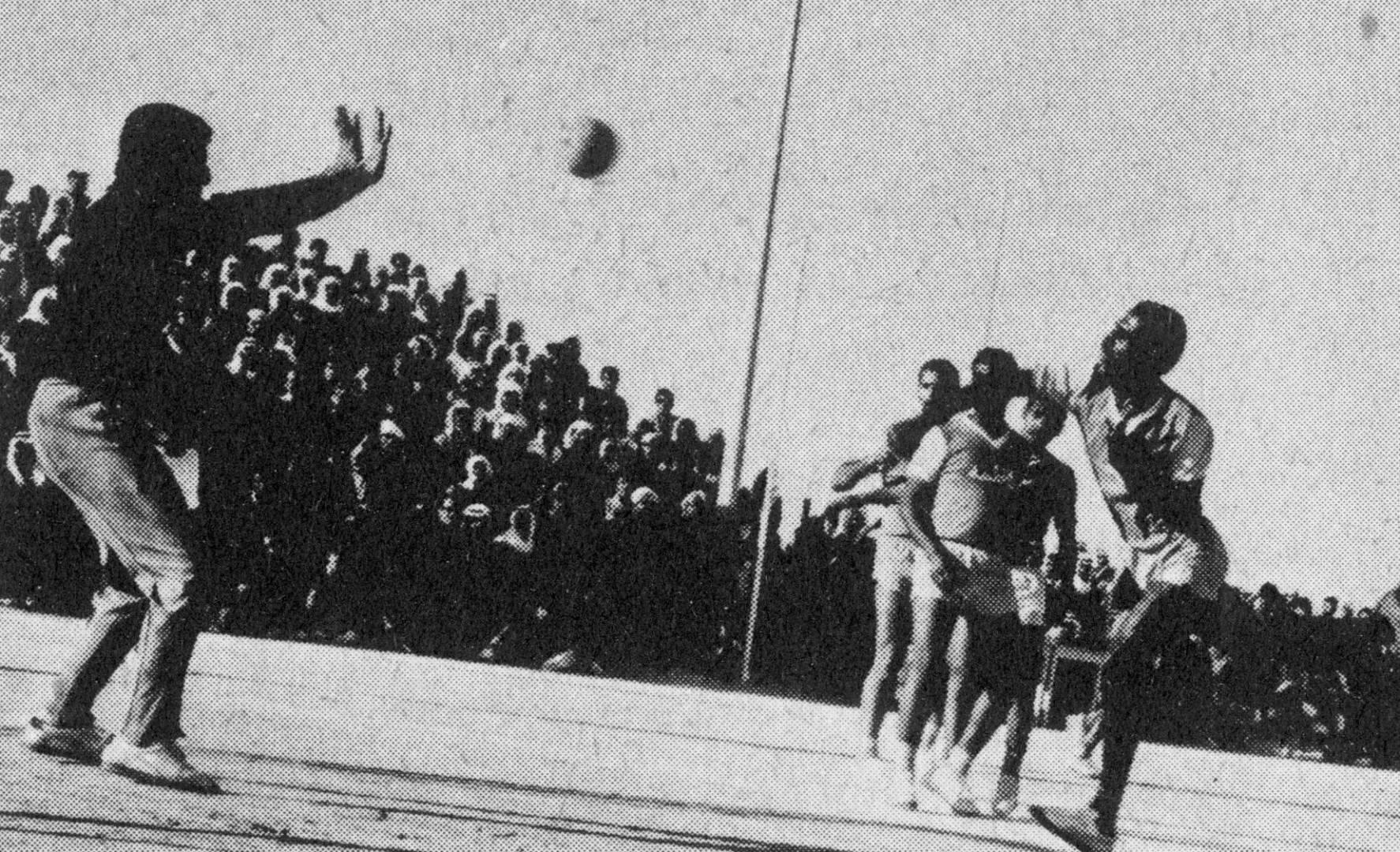 جانب من المباراة النهائية لطولة «كرة اليد» بين العربي وكاظمة.. صورة أرشيفية