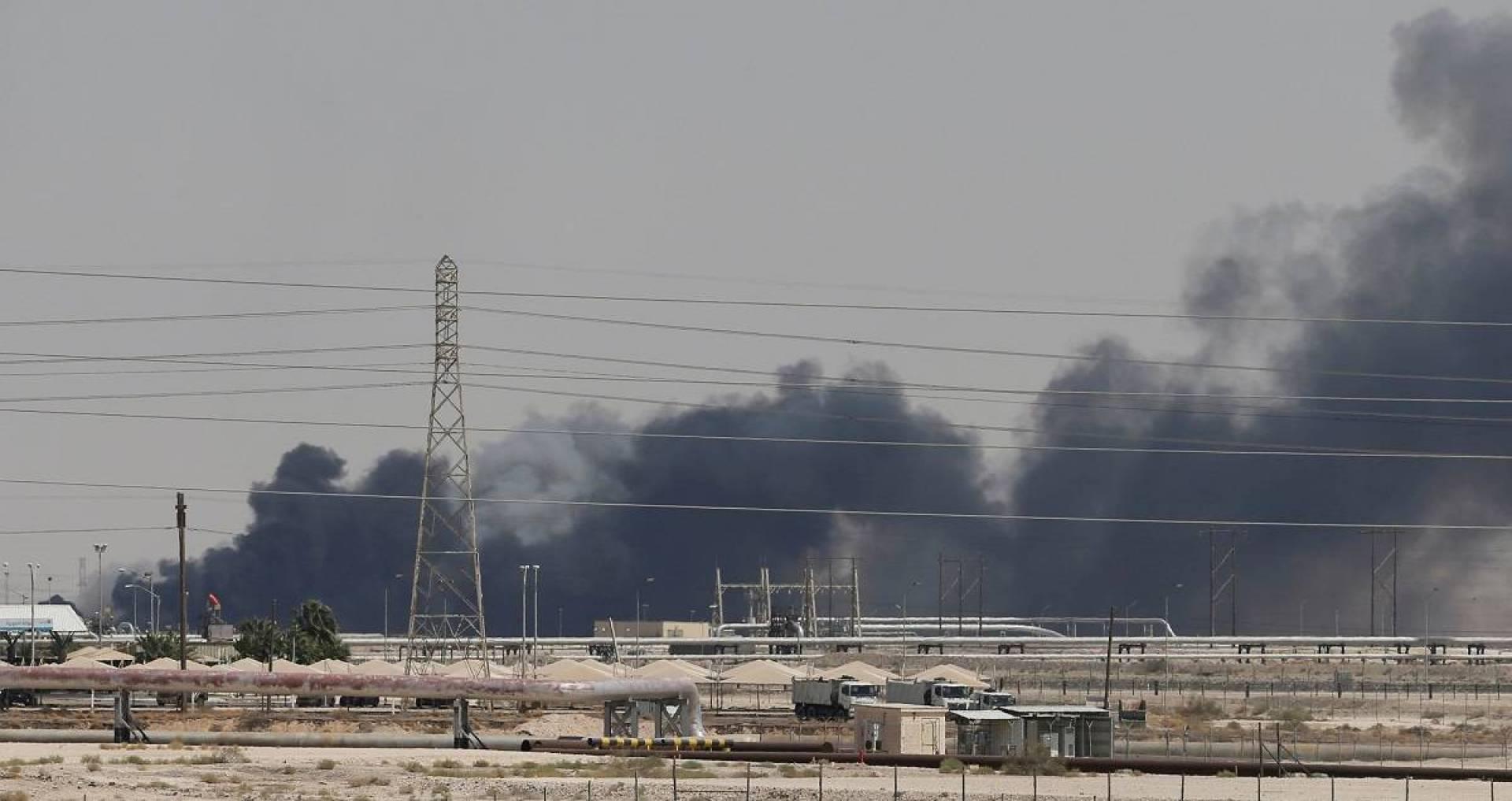 مصر والأردن والعراق يعلنون تضامنهم مع السعودية ضد الاعتداءات على منشآتها النفطية
