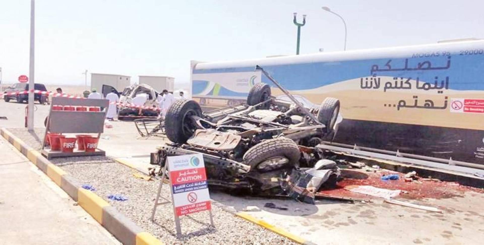 السيارة عقب الحادث في عمان | تويتر