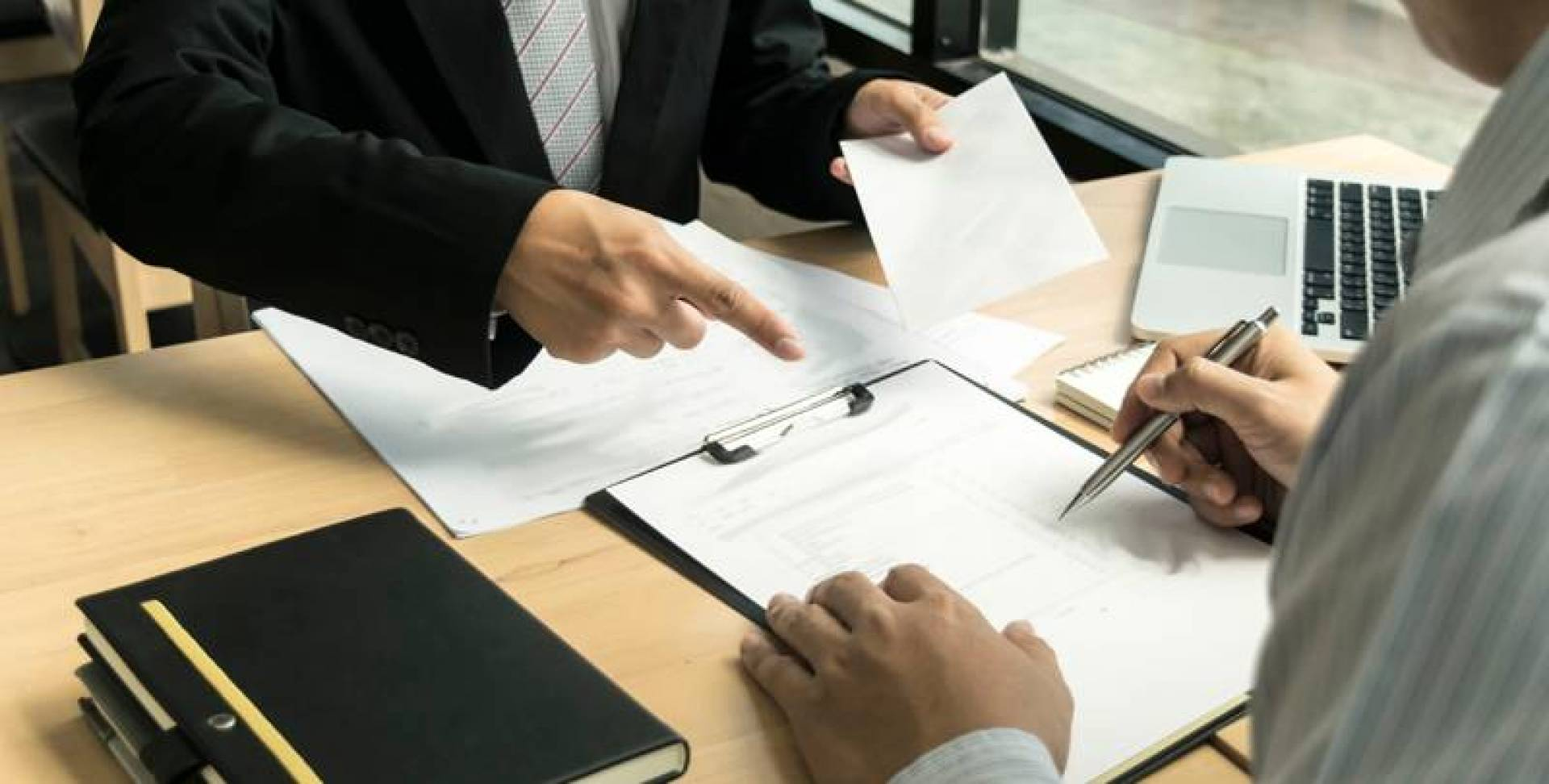 استقالة لجنة إجازة النصوص في «الإعلام»