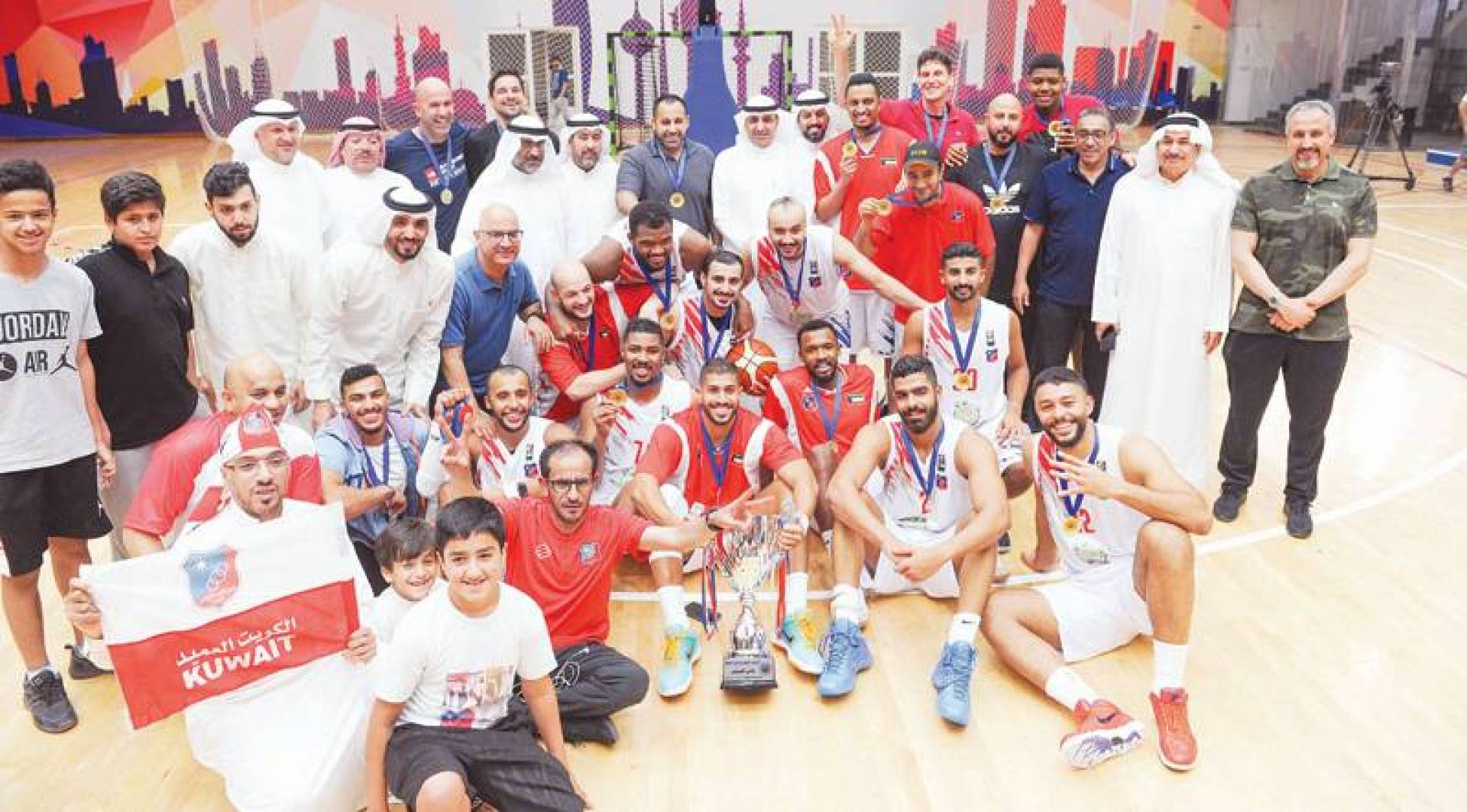 فرحة اللاعبين والجهاز الفني للكويت بالفوز في مباراة السوبر | كونا