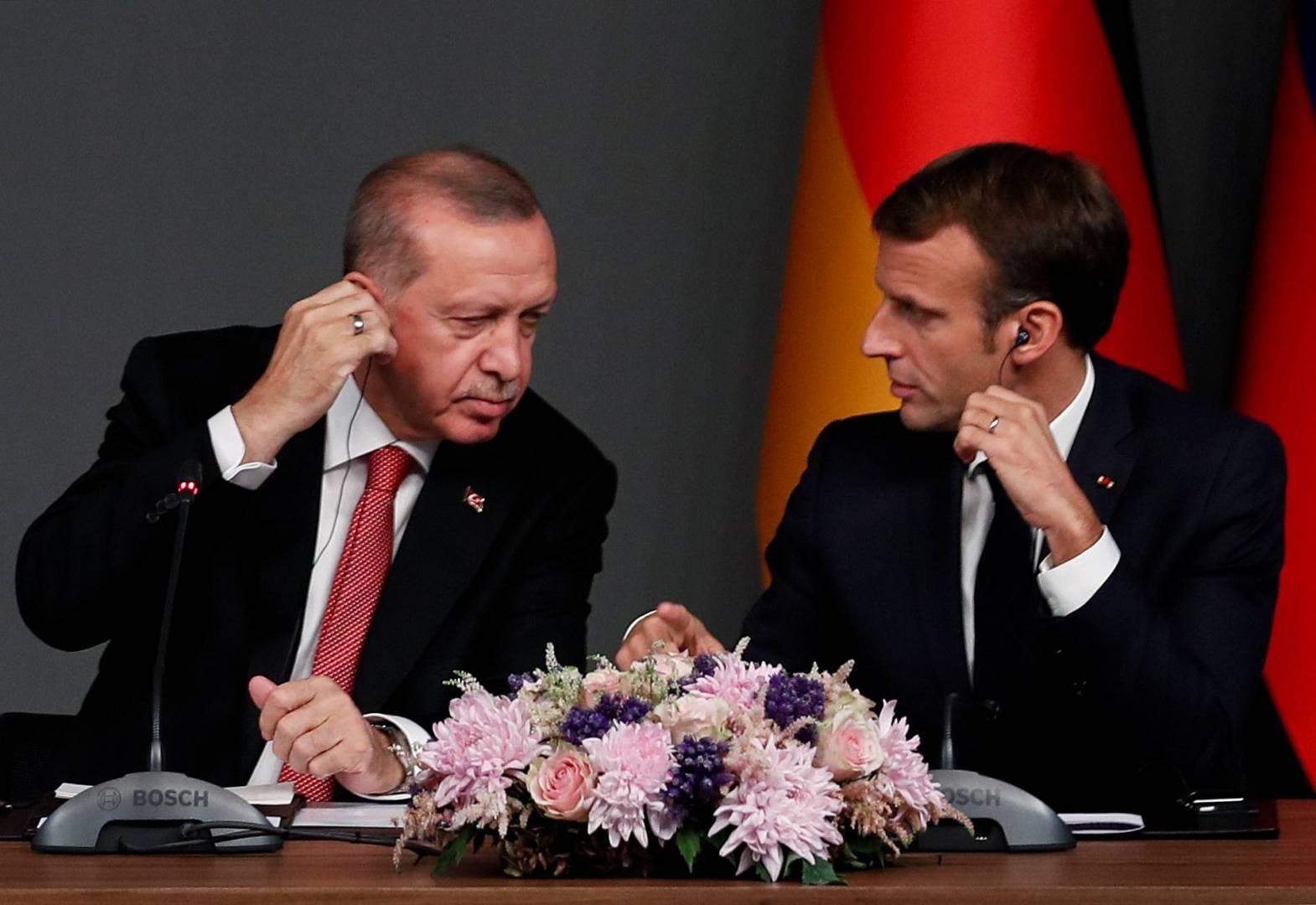 فرنسا تستدعي السفير التركي على خلفية الهجوم على شمال سوريا