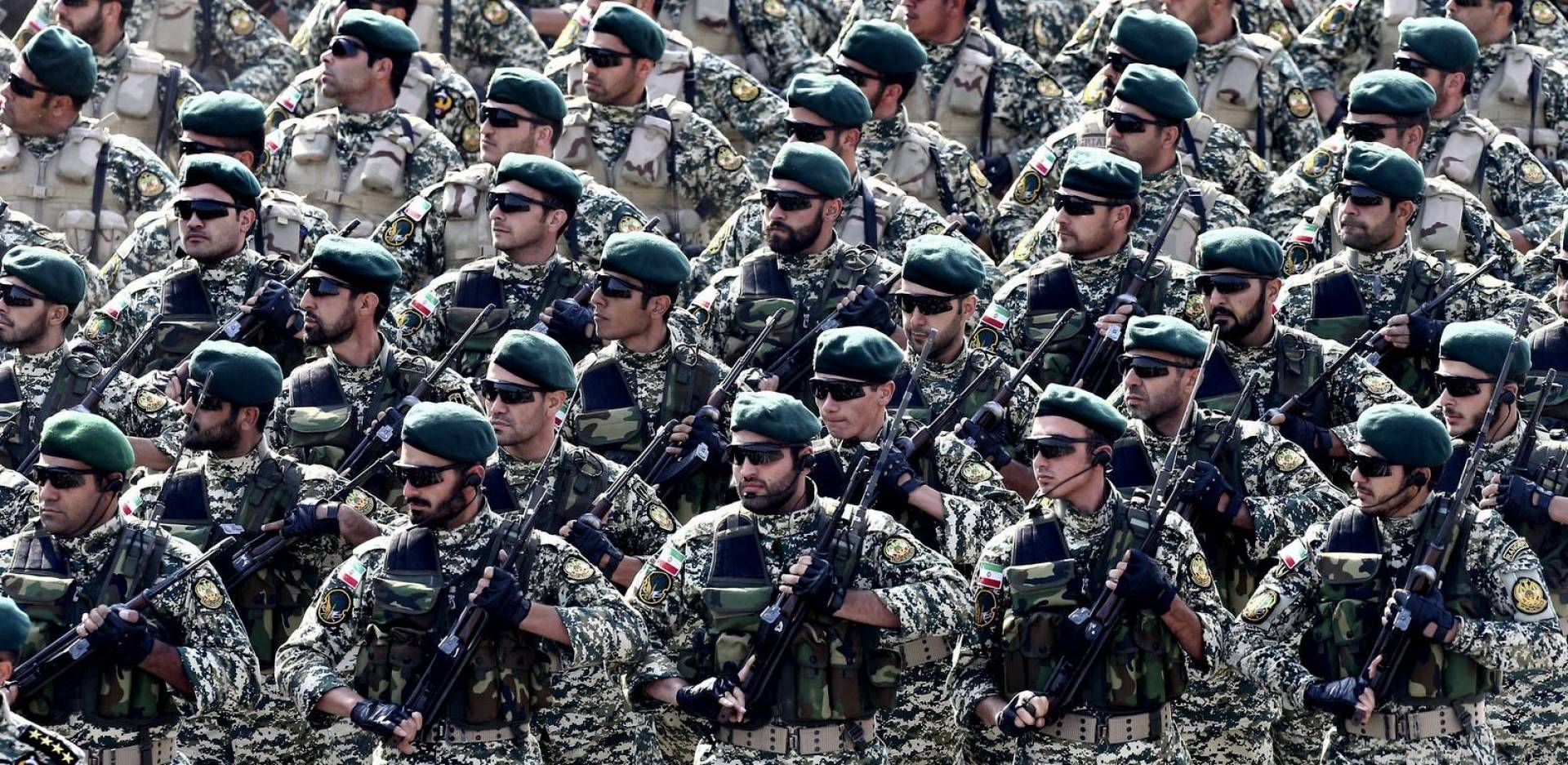 وسائل إعلام إيرانية: الجيش يبدأ مناورات عسكرية قرب الحدود الإيرانية ـ التركية