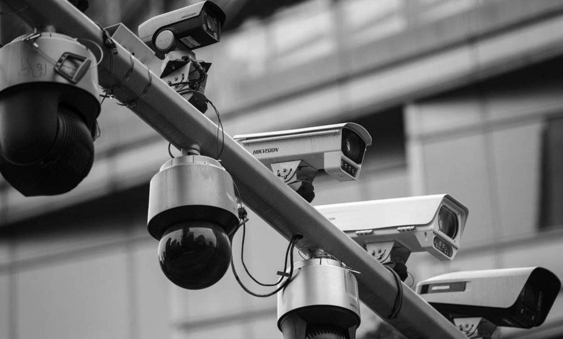 أكبر شركة مراقبة في العالم.. في خطر!