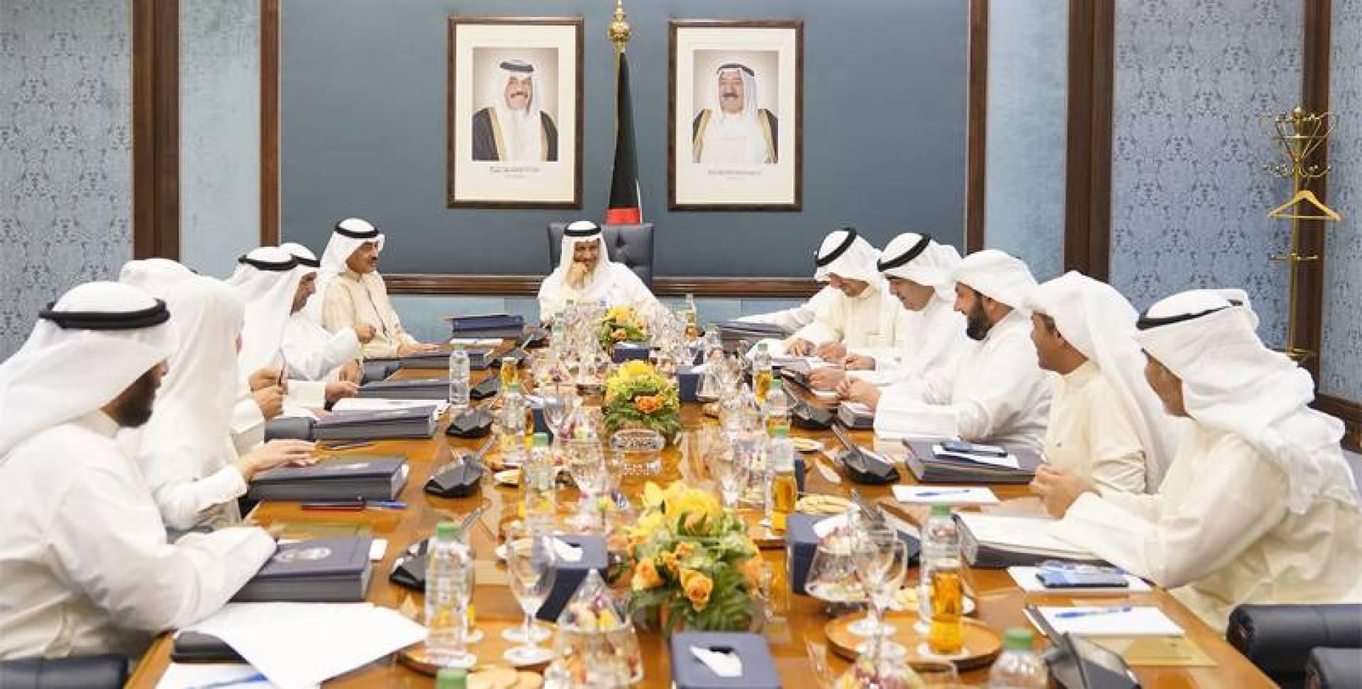 الحكومة: اجتماعات تهدئة مع النواب
