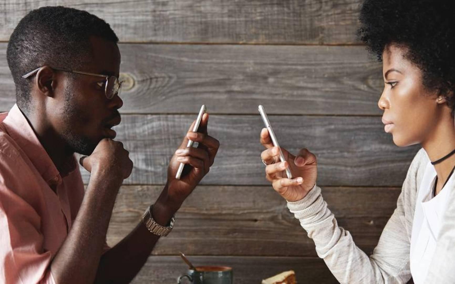 الأفارقة يدفعون أغلى فواتير الإنترنت في العالم.. ما السبب؟