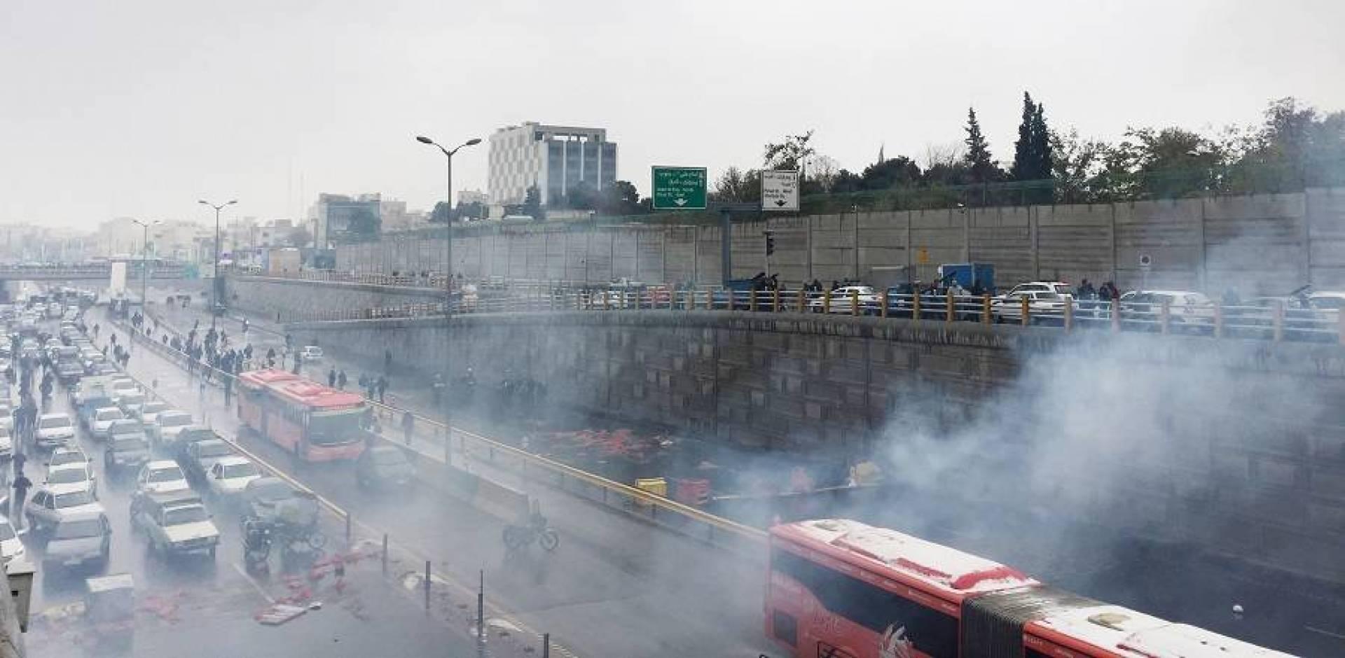 الحرس الثوري الإيراني: اعتقلنا المحرضين في عدد من المدن