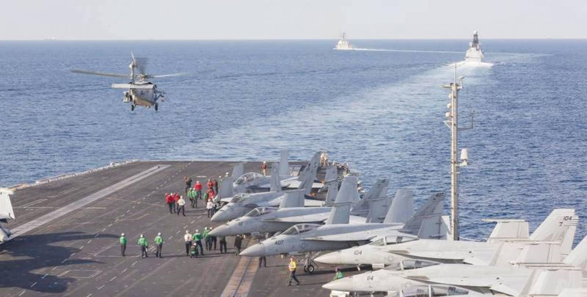 حاملة الطائرات لينكولن تعبر مضيق هرمز | البحرية الأميركية