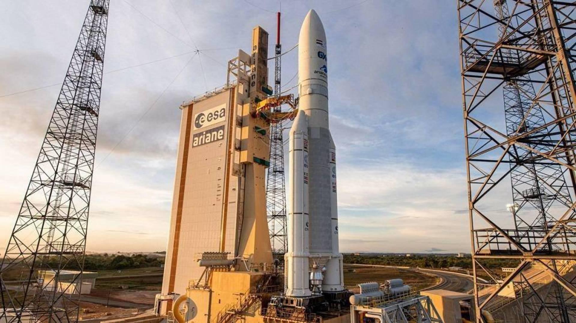 مصر تطلق القمر الاصطناعي «طيبة 1»