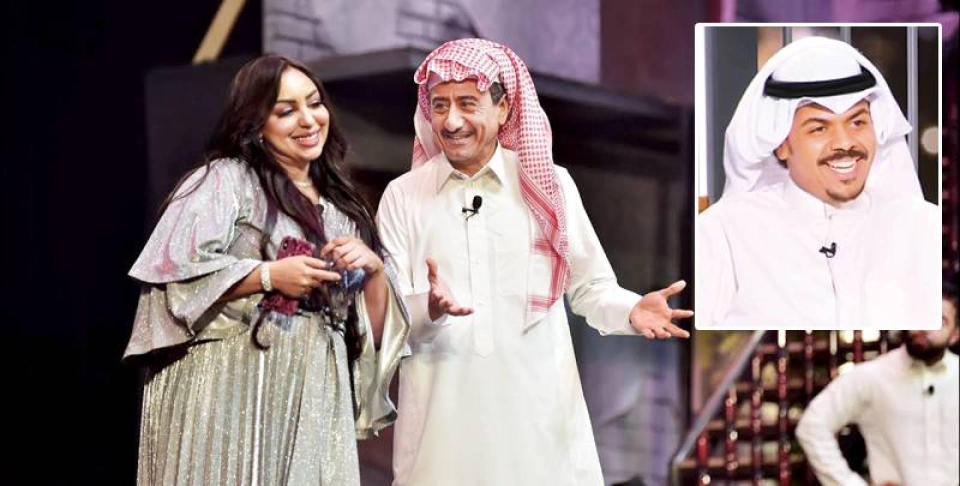 مشهد من مسرحية «الذيب في القليب» (وفي الإطار  المخرج محمد الحملي)