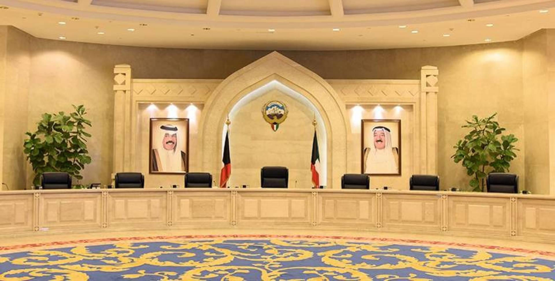 لا حكومة قبل قمة الرياض