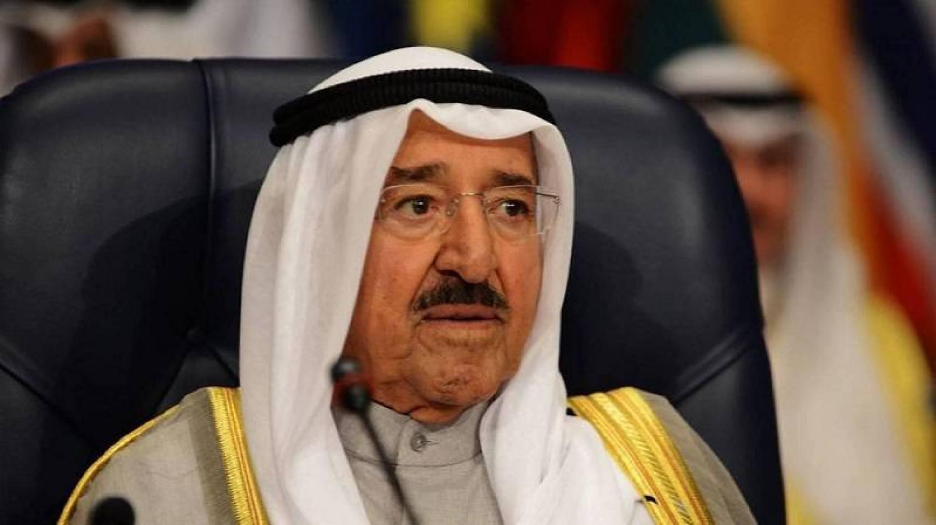 سمو الأمير يهنئ أمير قطر بنجاح كأس الخليج العربي لكرة القدم