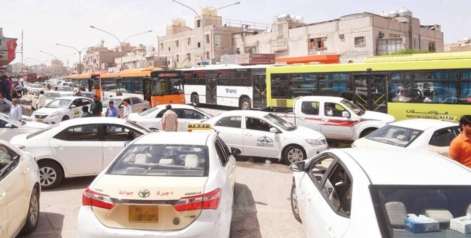 فوضى المرور في الجليب | تصوير حسني هلال
