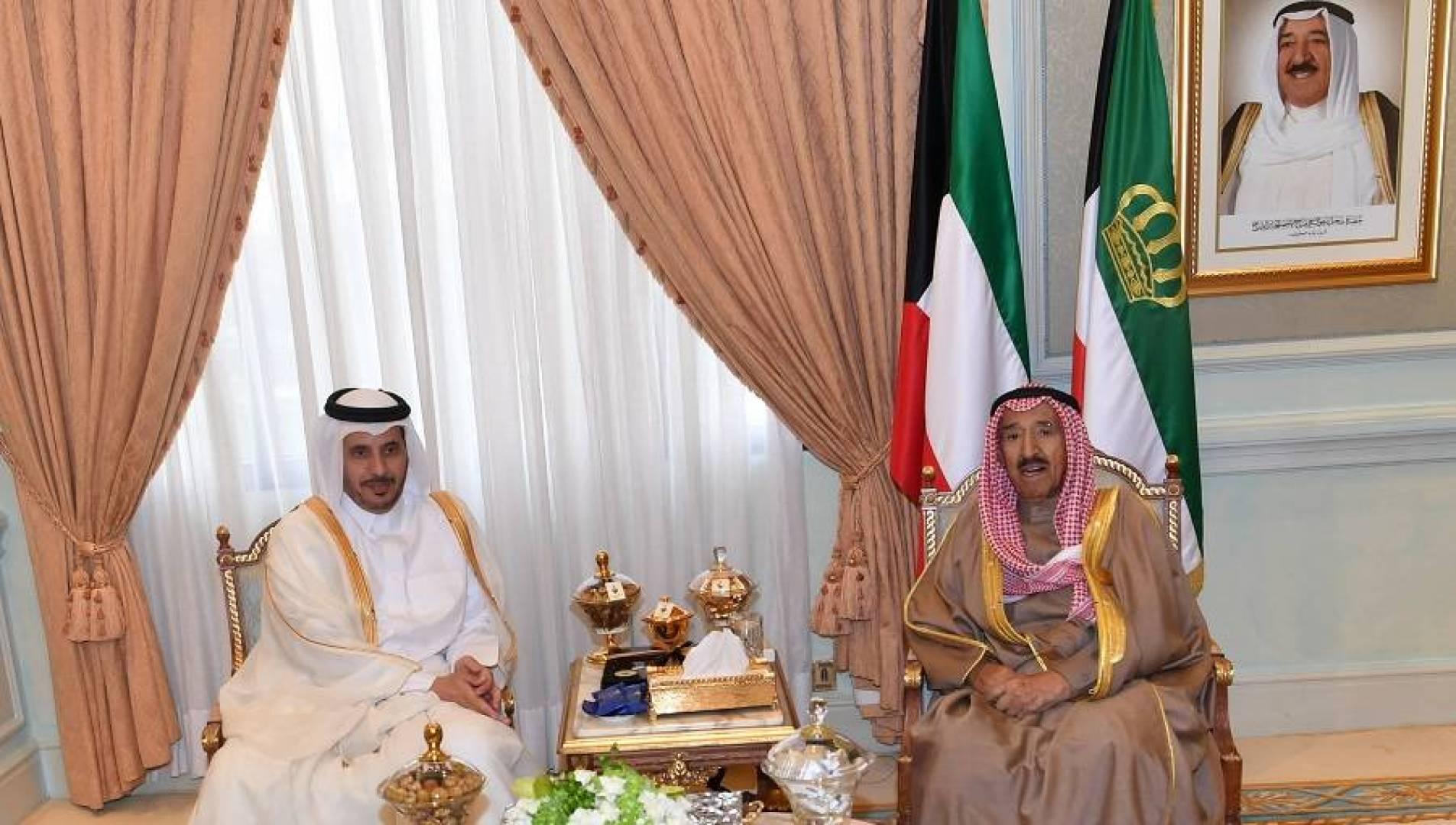 سمو الأمير يستقبل رئيس مجلس الوزراء القطري