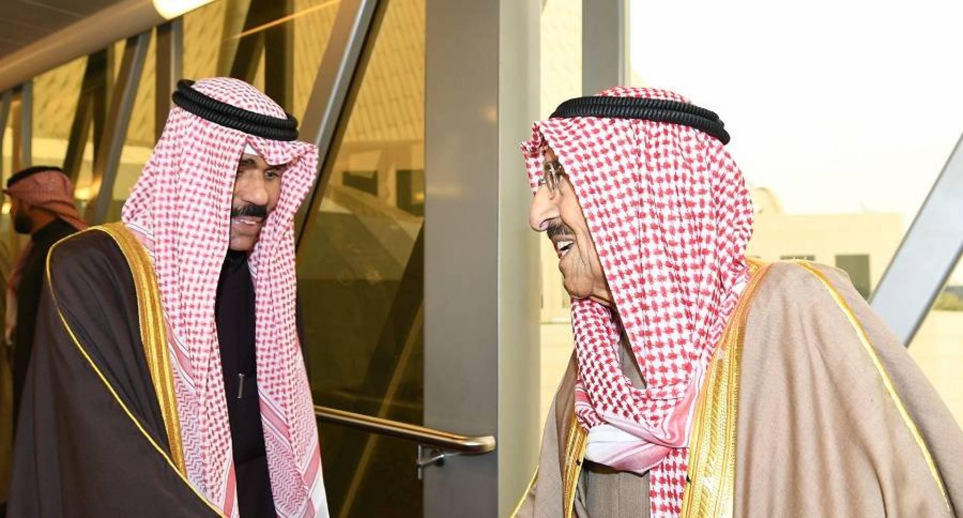 سمو الأمير يتوجه إلى الرياض لترؤس وفد الكويت في القمة الخليجية