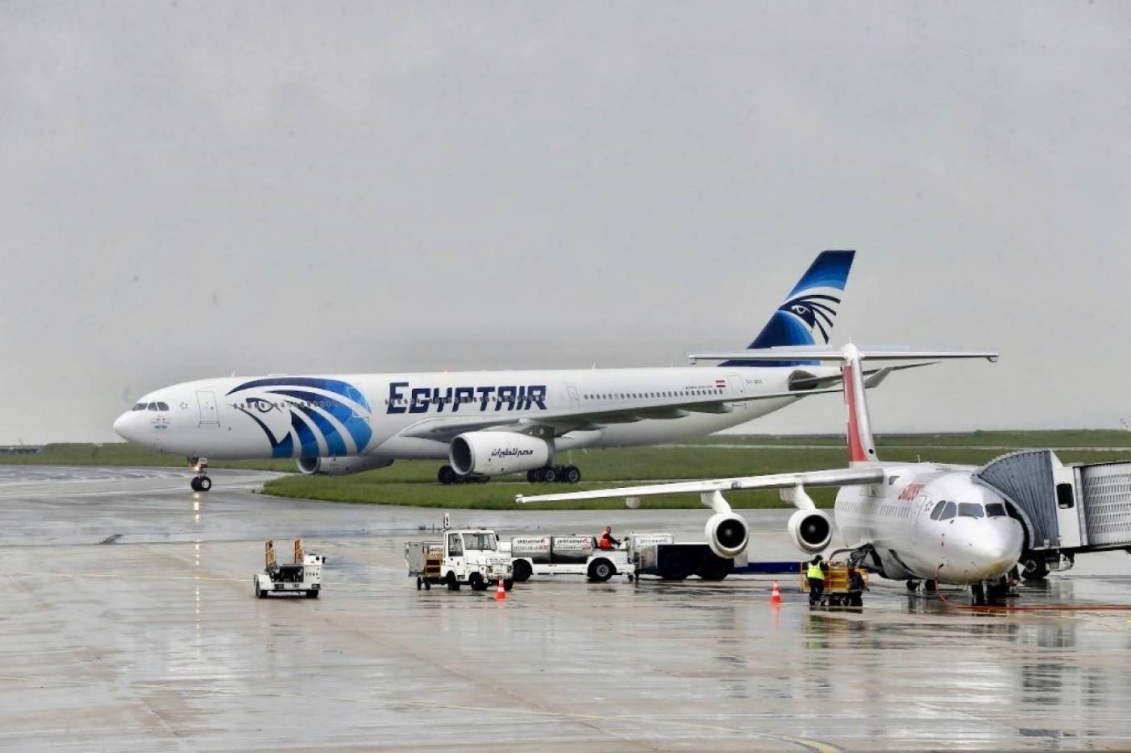«وول ستريت» تكشف سبب تحطم الطائرة المصرية في 2016