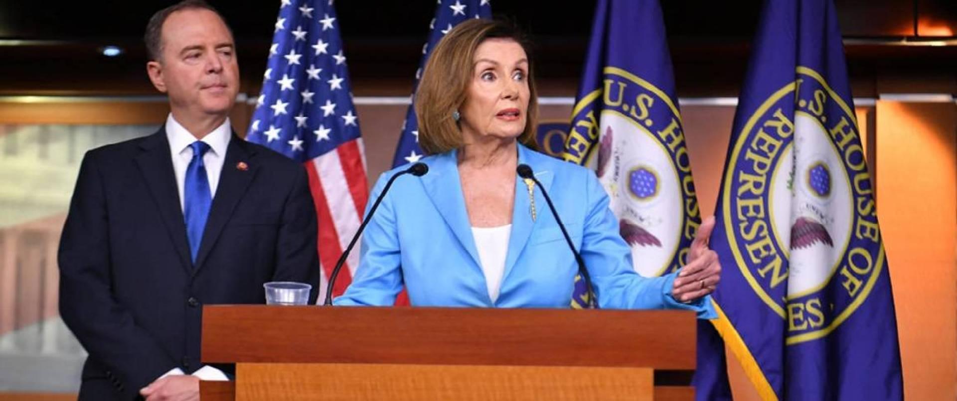 بيلوسي: مجلس النواب الأميركي يصوت الأربعاء على إحالة قضية عزل ترامب إلى مجلس الشيوخ