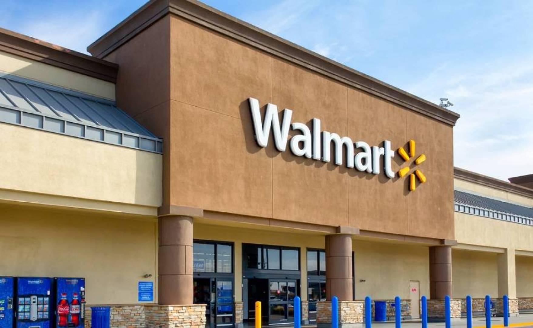 «وول مارت» تضيف 650 إنساناً آلياً.. في متاجرها بالولايات المتحدة