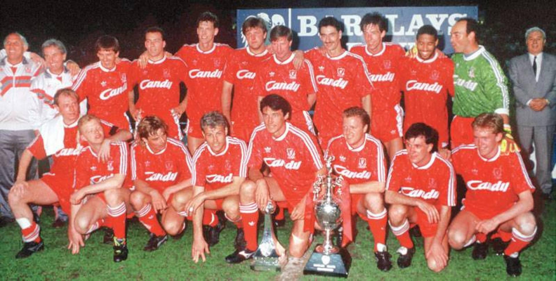 فريق ليفربول في آخر تتويج له في الدوري الإنكليزي