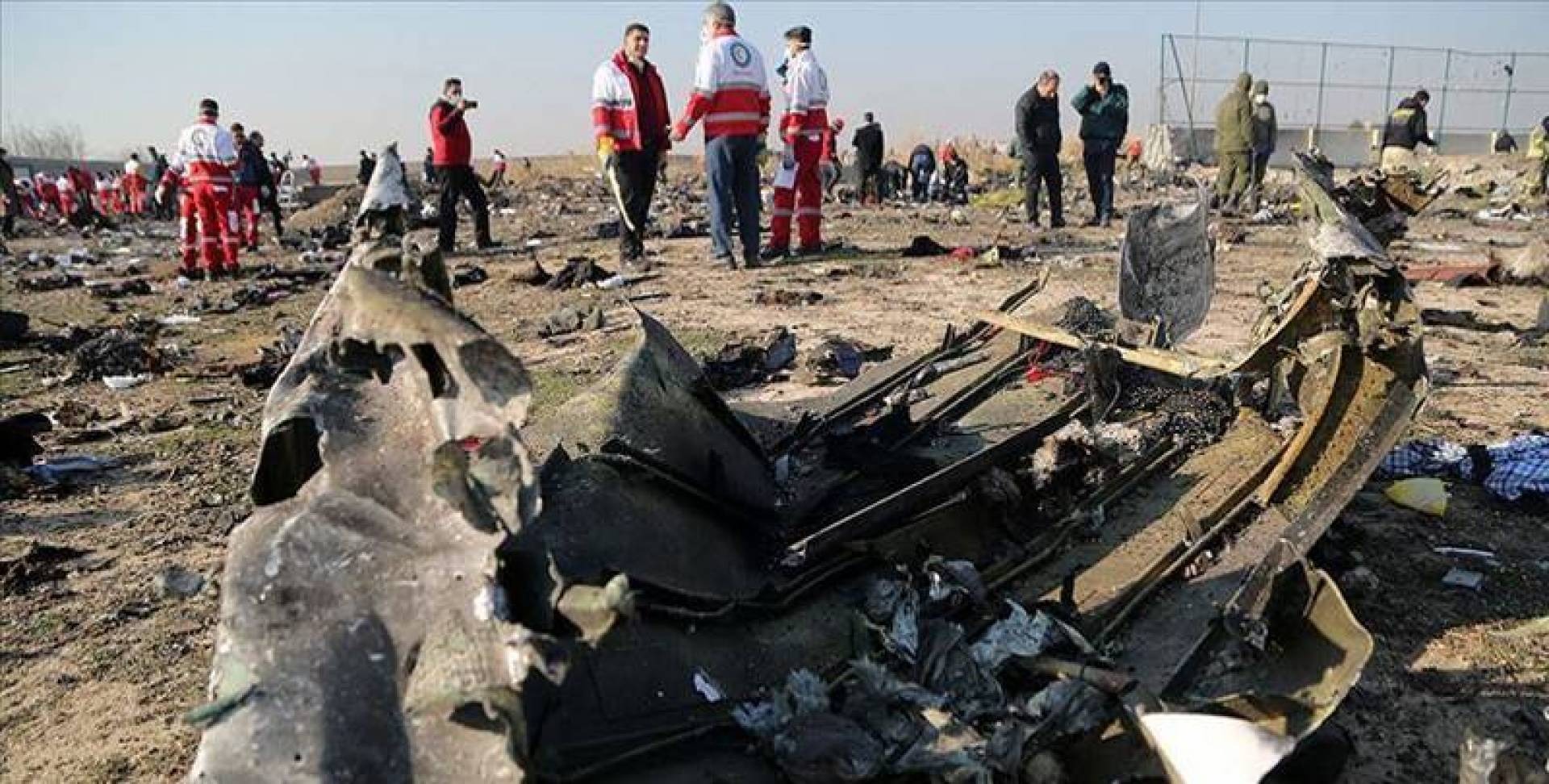 إيران تُقرّ بضرب «الأوكرانية» بصاروخين