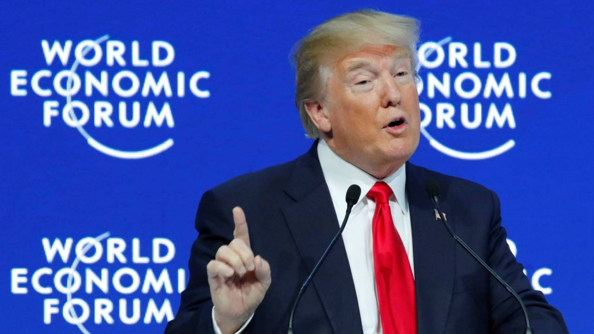 ترامب في «دافوس»: حاربتُ البطالة وتآكُلَ الطبقة الوسطى
