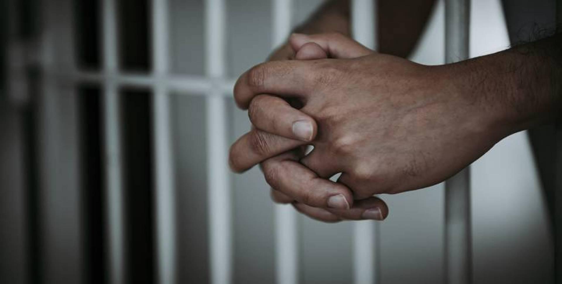 10 سنوات سجناً لـ 3 مواطنين خططوا لتفجير مساجد