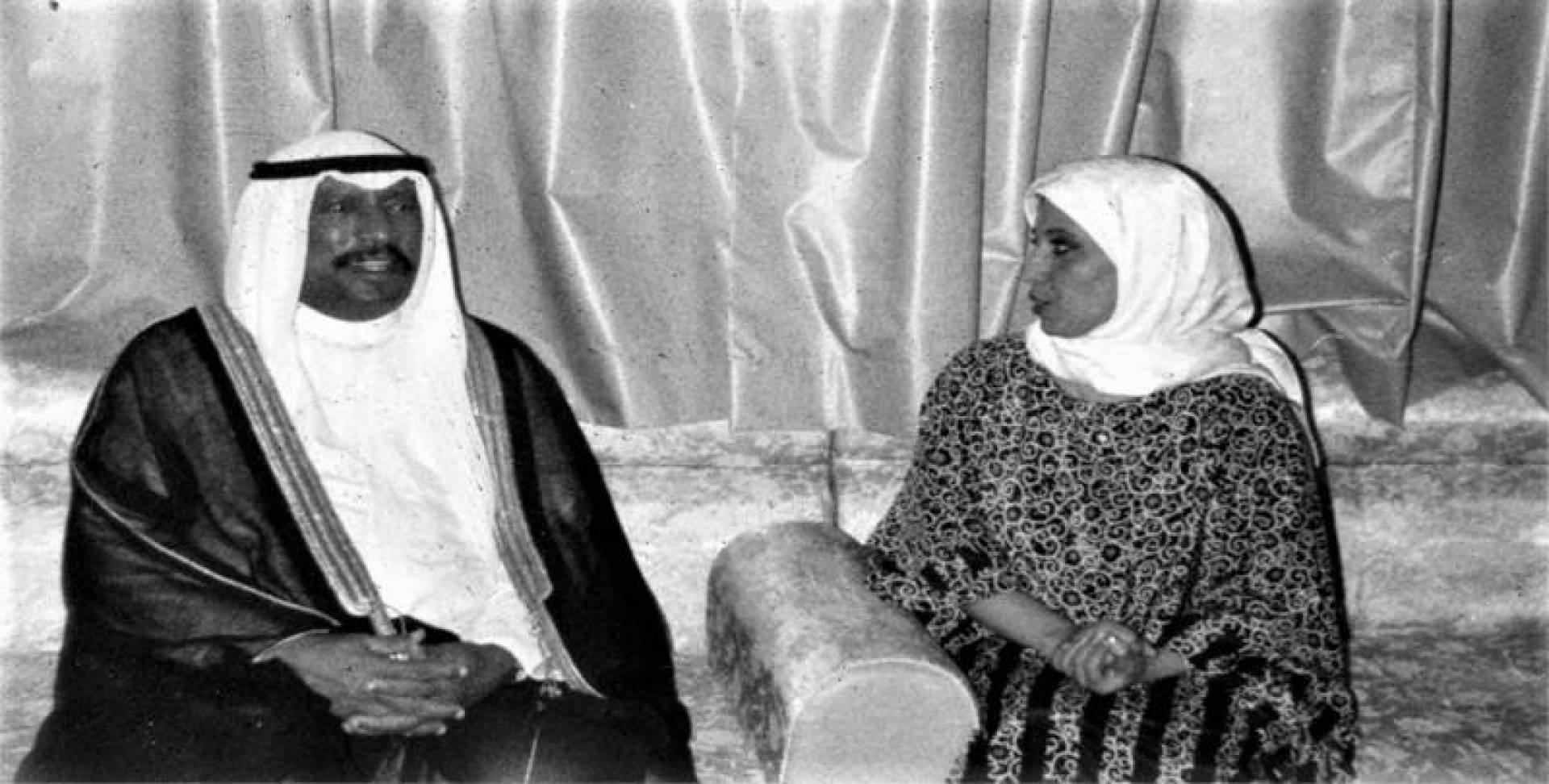 سمو ولي العهد في منزل الشيخ خالد الجابر مهنئًا بعودة أبنائه سالمين