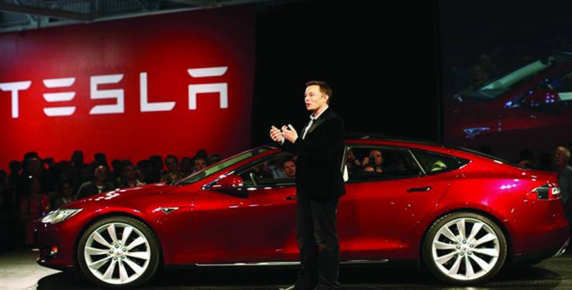 «تسلا» تتصدر قائمة السيارات الكهربائية الأكثر مبيعاً